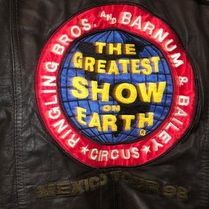 Rare 98 Ringling Brothers Circus leather jacket. L